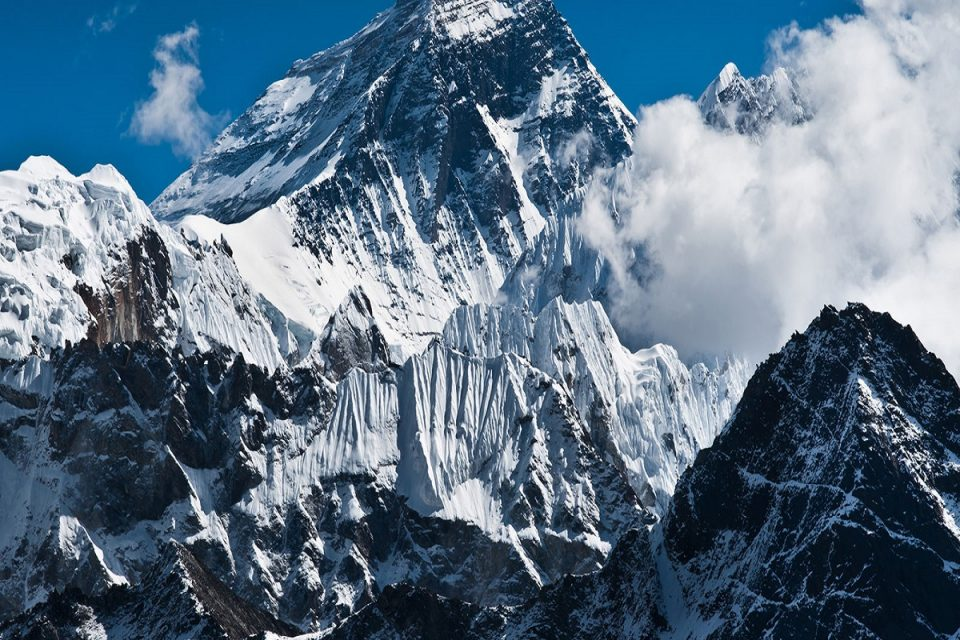 Climbing Mount Everest Facts and Information