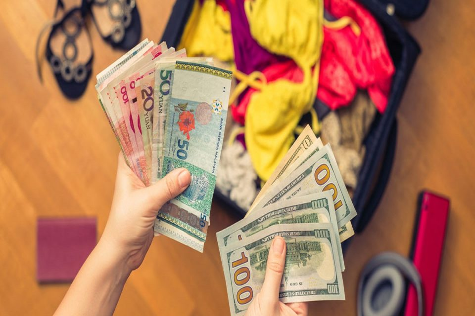 10 Realistic Ways to Save Money for Travel