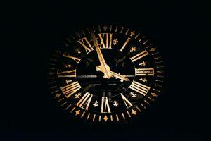 Doomsday clock: 100 seconds to midnight