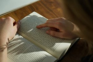 how to read a textbook efficiently?