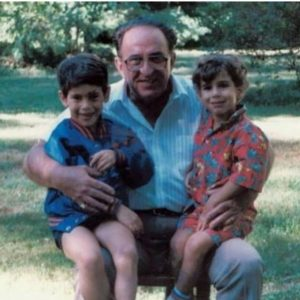 Scooter Braun's childhood picture with his brother and grandfather, Instagram