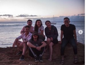 Jessica Henwick with her friends in Hawaii