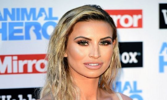 The Television Personality Ferne McCann Bio- Height, Age, Boyfriend, Acid attack, Daughter, Net Worth
