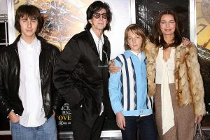 Ric Ocasek with his wife Paulina Porizkova and two sons Jonathan Raven Otcasek(right to Ric) and Oliver Otcasek (lfe to Ric)