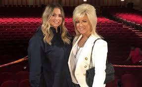 Theresa Caputo and her daughter